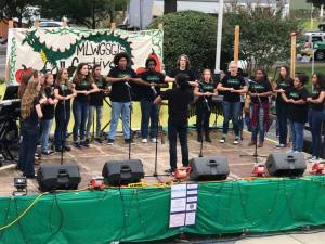Choir performs at Fall Fest 2016